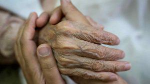 Abuela de 87 años mató a su nieto por que no lo cuidaban