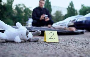Niña murió tras quedar su cabeza atorada en la ventana de un auto