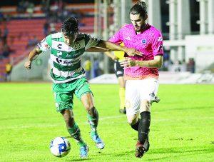 Da Santos cátedra en Copa MX
