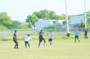 Águilas FC y Saavedra Sport se disputarán la supremacía de la Liga Premier