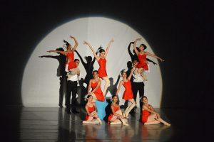 Enamora su danza