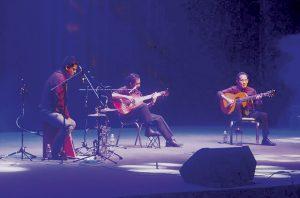 Deleitan los Luna con 'Guitarras Mágicas'