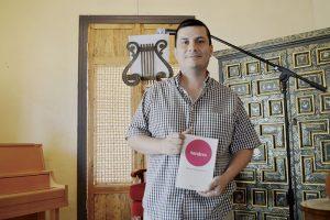 Obtiene el Premio de Poesía Amado Nervo