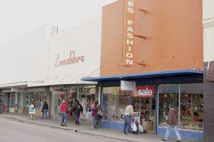 Repuntan ligeramente las ventas en el centro de Laredo