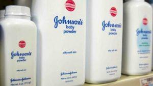 Johnson & Johnson retira talco para bebés por rastros de asbesto