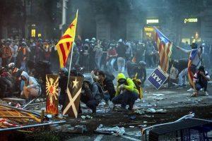 Dejan 182 heridos disturbios en Cataluña