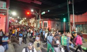 Caravana de migrantes comienza viaje tras 6 meses varados en Chiapas