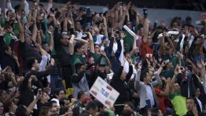 VIDEO: Sacan a 30 aficionados del Estadio Azteca por emitir grito homofóbico