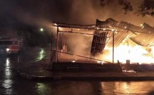 Cae rayo en taquería y se incendia en Ciudad Madero