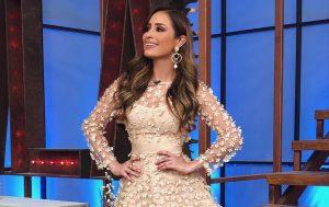 Critican a novia de Carlos Rivera por tener