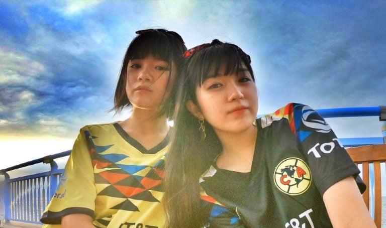 Aficionadas japonesas cantan himno de las Águilas — América