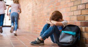 Maestra rompió en llanto cuando estudiante hambriento le pidió comida