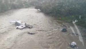 Cae avioneta en Michoacán; reportan 5 muertos
