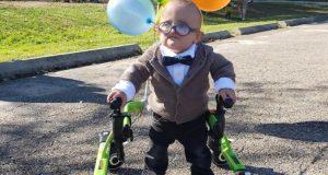 """Bebé con parálisis cerebral muestra su adorable disfraz de """"UP"""""""
