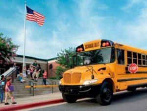 Nueva ley de California aprobó que las clases inicien más tarde