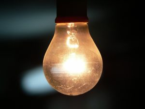 Cuide la luz; viene tarifa de invierno
