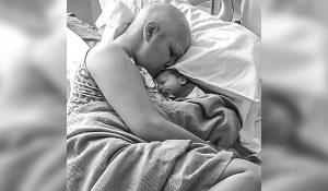 Mujer con cáncer de mama da a luz a bebé sano, a pesar de quimioterapias