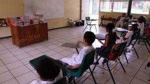 Por favoritismo niegan plazas y hay niños sin sus maestros
