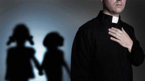 '¿Tienes miedo? Abrázame, bésame', le dice cura a una niña; ella grabó sus abusos en audio