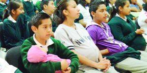 Reducen embarazos  prematuros en IMSS
