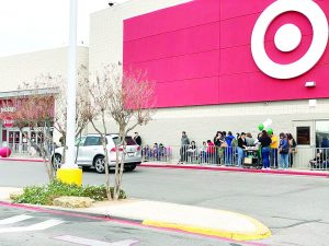 Saturan tiendas  por Black Friday