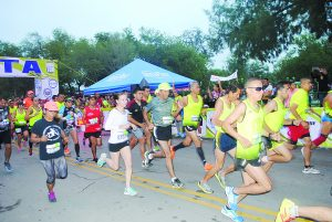 Con más de mil 600 competidores, este domingo se realizará el sexto medio maratón Palos Garza