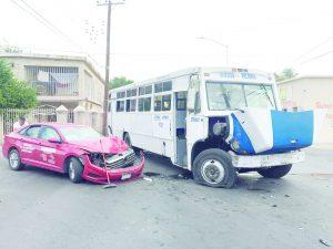 Camionero causa accidente