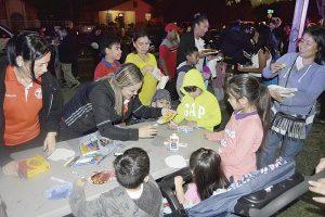 Participan familias en Festival de Otoño