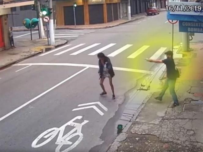 Hombre mata a balazos a mujer que le pidió dinero para comer