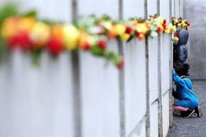 Celebran 30 años de caída del Muro de Berlín