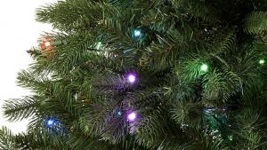 Amazon lanza el primer árbol inteligente de Navidad compatible con Alexa