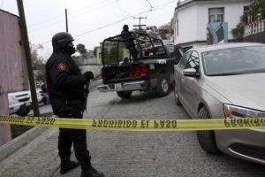 Dejan siete bolsas con restos humanos en Monterrey