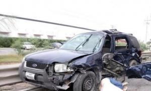 Muere mujer tras choque en acceso a Puente Reynosa-Pharr