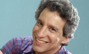 Actor Charles Levin muere y es devorado por buitres