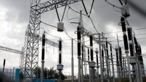 Transformador quemado deja sin luz a 2 mil 694 usuarios en Laredo