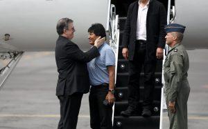 AMLO me salvó la vida: Evo Morales, al aterrizar en México