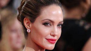Filtran fotos de Angelina Jolie con el traje de Thena
