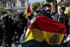 Crisis en Bolivia: Renuncian gobernador y alcaldes por conflicto