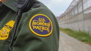 Fue agente fronterizo durante casi 20 años y ahora pudiera ser deportado tras descubrirse que nació en México