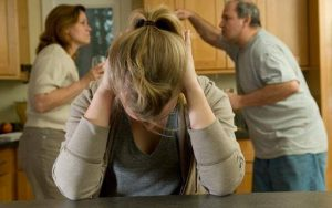 Afecta más a tu salud discutir con familiares que con tu pareja