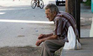 Dejan en la calle a 31 abuelitos de Nuevo Laredo