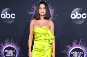Selena Gomez cantó en aparente estado de ebriedad en los AMAs