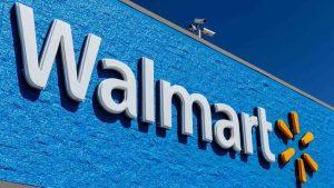 Reportan tiroteo en Walmart en Oklahoma; tres muertos