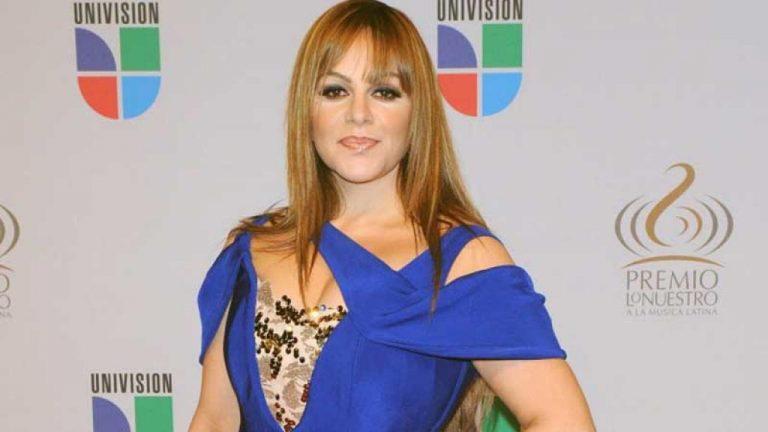 Frida Sofía se pelea con Chiquis Rivera en ceremonia de premios