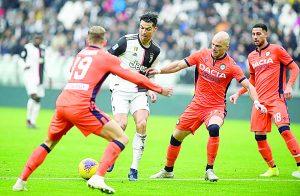 Marca 'CR7' doblete en victoria de Juventus