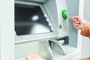 Bancos cierran hoy; operarán  por la internet