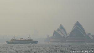 Alertan de emergencia sanitaria a Sídney por humo tóxico