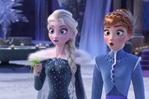 Asegura mujer que Las Frozen son lesbianas y Disney es del diablo