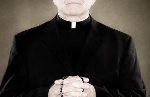 Investigan en Tamaulipas a dos sacerdotes por abuso sexual