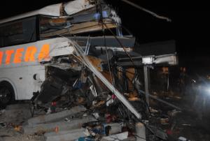 Detienen a chofer  por la muerte de 17 personas tras chocar contra tren en Anáhuac